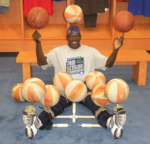 Spinning 10 basketballs at 2010 All-Star Game - Odhiambo